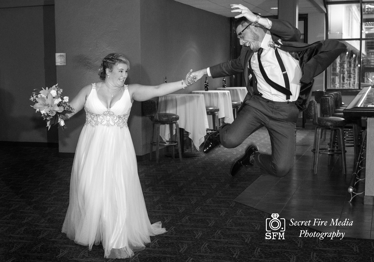 Black and white photo o bride and Groom during their first dance at a Hudson Valley Wedding At Hunter Mountain in Hunter New York