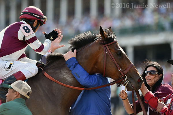 Divisidero wins the Woodford Reserve Turf