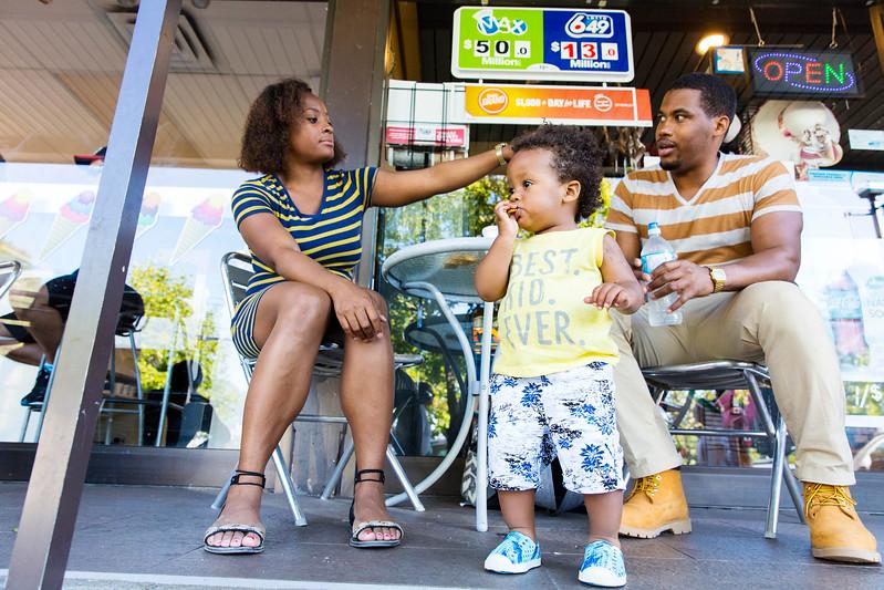Seance photo ave Aurelie, Livio et AIden pour les 1 an de Aiden