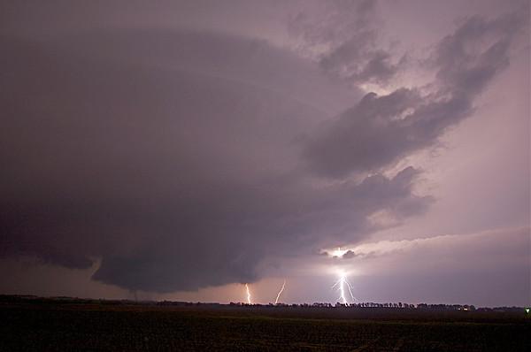 IMG 6074 -- Nighttime Tornado, Wall Cloud (zoom-In)