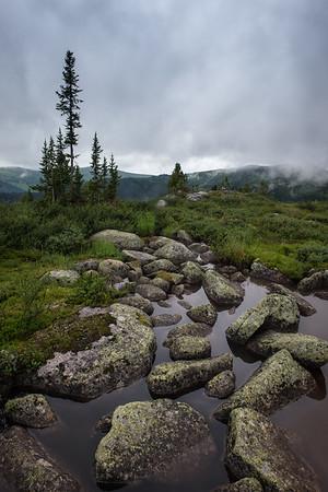 Туман и камни