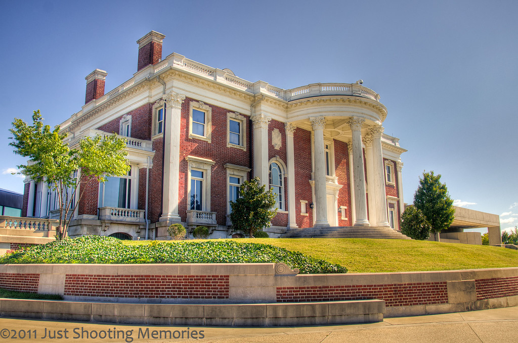 """<h3><strong>Today's Photo: Hunter Museum of American Art</strong></h3> Sitting atop the bluff's overlooking the Tennessee River and the heart of Chattanooga sits the Hunter Museum of American Art. I ran across this during the Worldwide Photo Walk in October and thought it was a cool museum. The building is divided into three distinct architectures. The center of the museum is an old plantation style mansion. I got this one during the day, but returned several weeks later and shot another one of <a title=""""The Hunter"""" href=""""http://justshootingmemories.com/2011/10/29/the-hunter/"""">The Hunter</a> at night. Placed on the hill surrounding the Hunter are several sculptures like the <a title=""""The Orange Sculpture"""" href=""""http://justshootingmemories.com/2011/11/08/the-orange-sculpture/"""">Orange Sculpture</a>.  Read more at the <a href=""""http://justshootingmemories.com"""" rel=""""nofollow"""">Daily Photography Blog</a> Just Shooting Memories!..."""