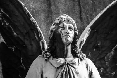 Guardian angel, Zale cemetery