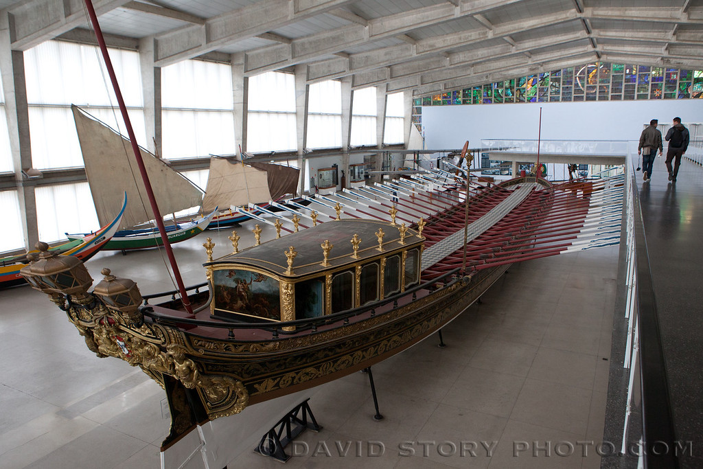 The Royal Barge (1778). Maritime Museum, Lisbon, Portugal.