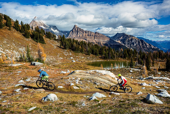 Models: Lorraine Blancher & Ariel Lindsley<br /> Location: Purcell Mountains, BC