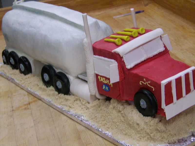 Red Truck cake