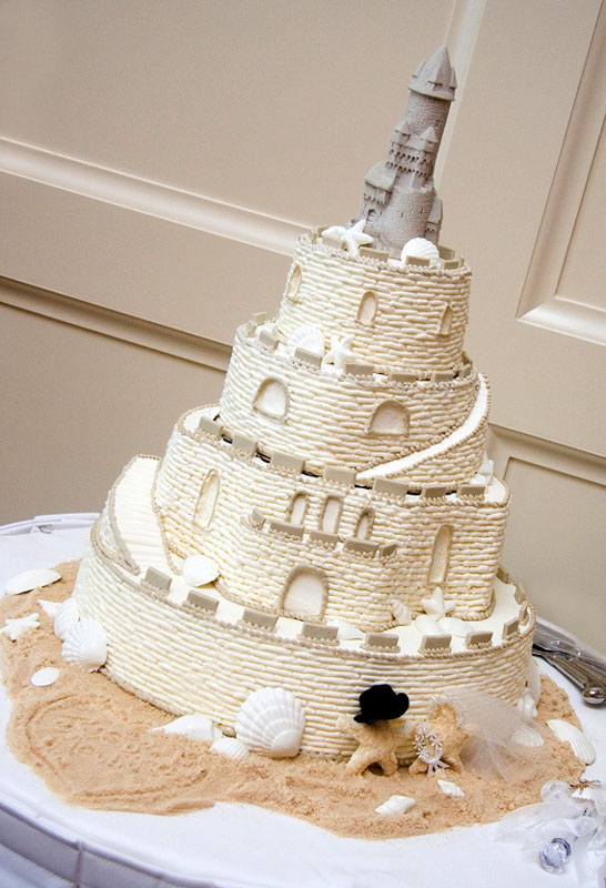 Sand Castle Cake (Photo by J.La Images)