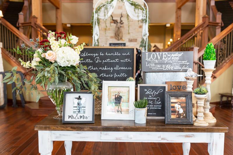 Ashlyn_and_Phillip_Reeves_Wedding_Prep_07