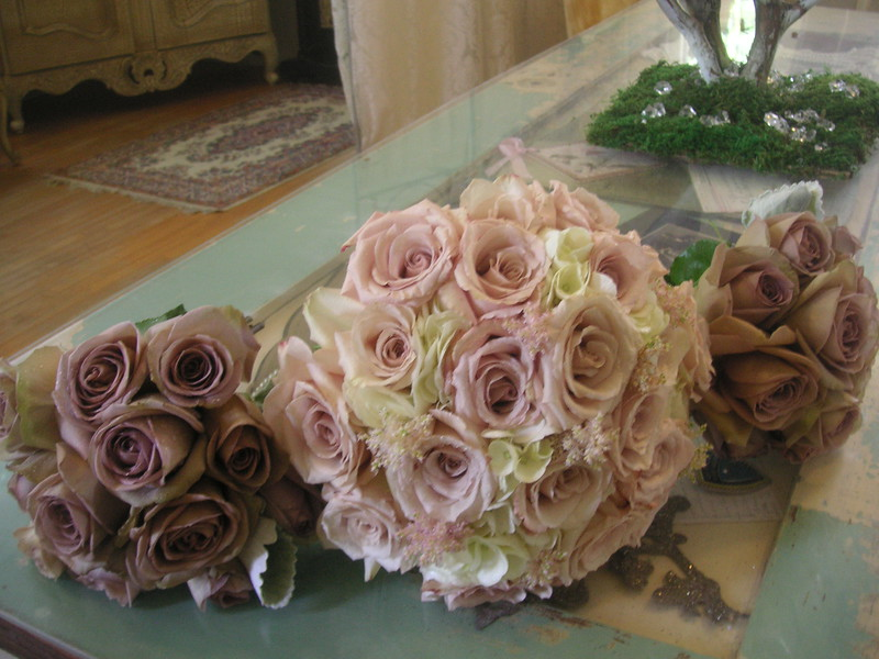 Ivory and quicksand roses hydrangea$110