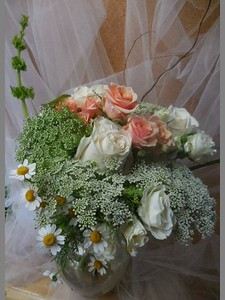 Queen anne's lace, white and peach roses ,feverfew- $115