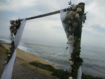 Wedding Bowl La Jolla ( www.archrentals.com) garlands and corners( use later for tables $325