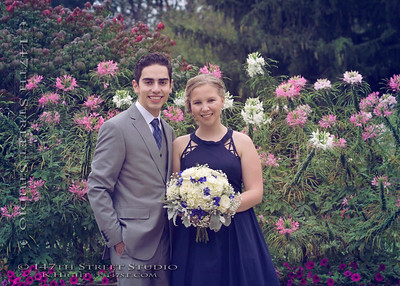 Family Portraits Arrowood Resort Wedding - Spirit Lake Iowa Photographer