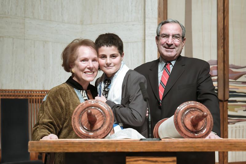jewish-bar-mitzvah-photos-temple-shalom-NY-54