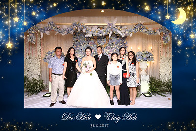 Chụp ảnh lấy liền và in hình lấy liền từ photobooth tại tiệc cưới của Hiếu & Anh | Instant Print Photobooth at Hiếu & Anh's Wedding | PRINTAPHY - PHOTO BOOTH VIETNAM