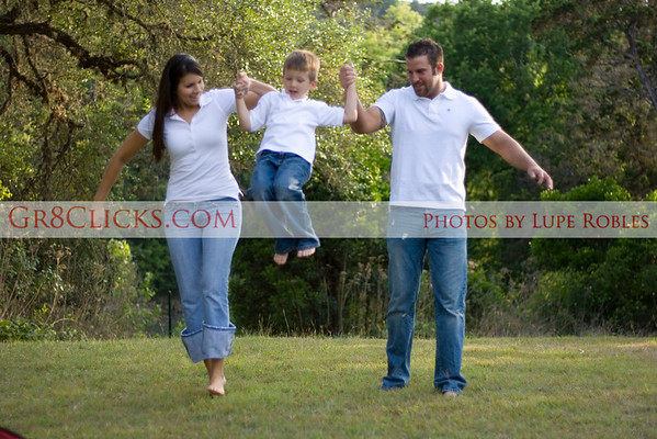 Let me capture you family photos on location in New Braunfels, San Antonio, or even in Austin.