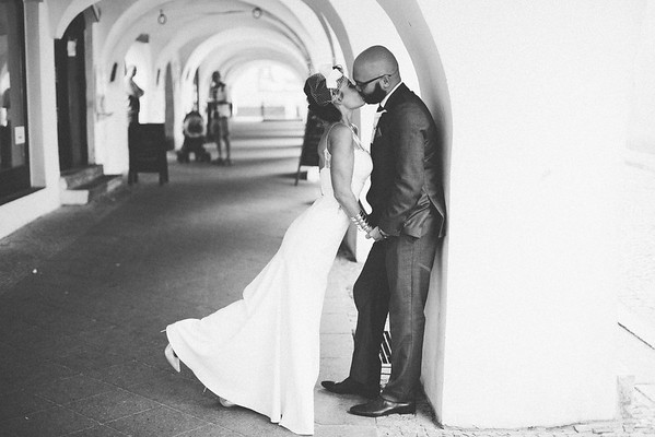 Kissing under the arch