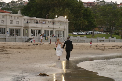 Rhys and Jayne Williams wedding. 2-1-2005. 20050102. Married at Clark Park, Kirribilli with celebrant Phillip Grace and reception at Bathers Pavillion, Balmoral Beach. Pic-Geoff Ward. Phone: 0413 059 836