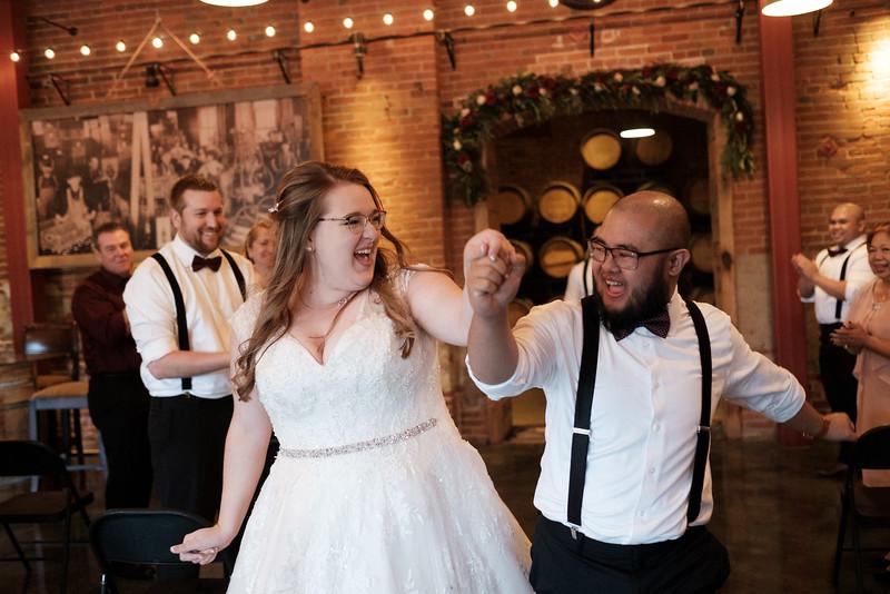 Shayna & Gabe's Stone Cliff Winery Wedding
