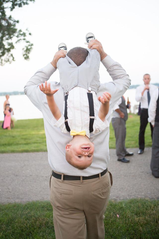 wedding reception at Lake Lawn Resort in Delavan, Wisconsin. Wedding photographer – Ryan Davis Photography – Rockford, Illinois.