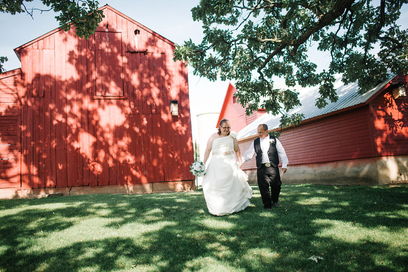 Rustic Country Wedding Portraits