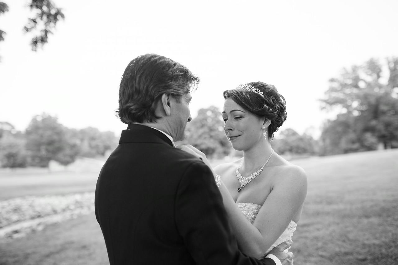 Mauh-Nah-Tee-See Wedding