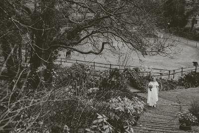 Emily-Ben-030-millbrook-estate-devon-wedding-photographer-rebecca-roundhill