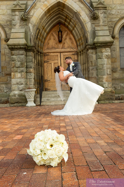 wedding photo outside church