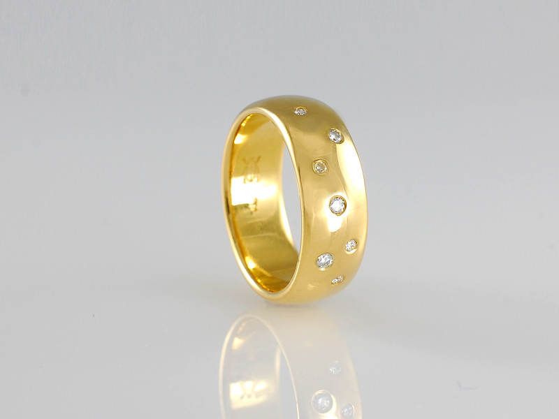Our 'Tokyo' Design in 18ct Gold with Diamonds