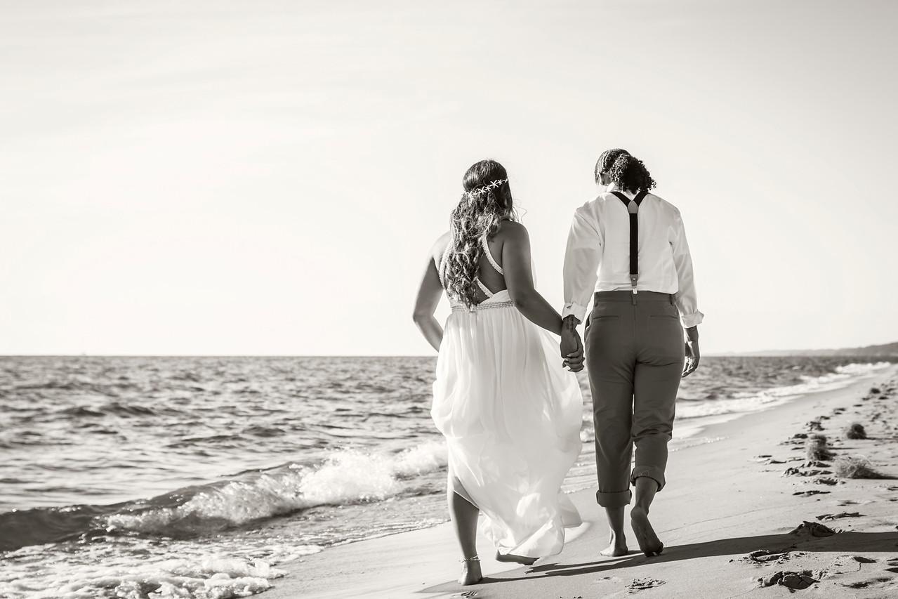 IMAGE: https://photos.smugmug.com/Wedding-Starr-Lorren/i-4BDBcRF/0/X2/Starr%26Lorren_007-BW-X2.jpg