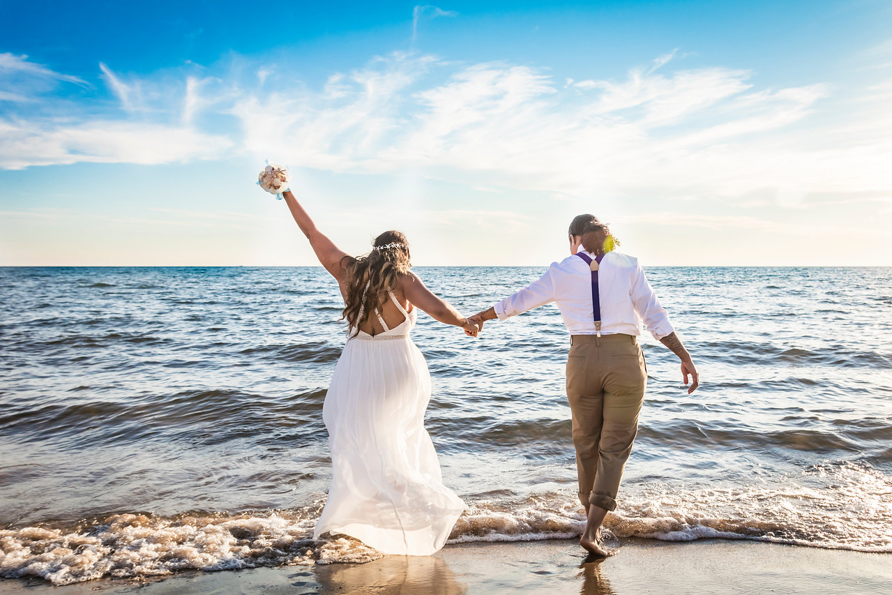 IMAGE: https://photos.smugmug.com/Wedding-Starr-Lorren/i-S6bWGdR/0/X2/Starr%26Lorren_058-X2.jpg