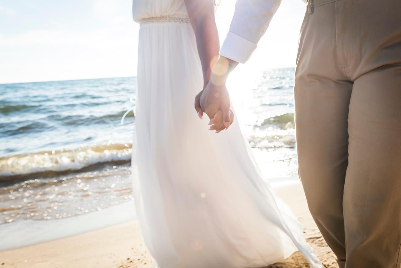IMAGE: https://photos.smugmug.com/Wedding-Starr-Lorren/i-s6972CW/0/X2/Starr%26Lorren_021-X2.jpg