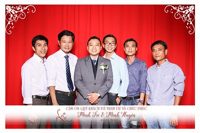 Chụp ảnh lấy liền và in hình lấy liền từ photobooth tại tiệc cưới của Trí & Huyền| Instant Print Photobooth at Trí & Huyền 's Wedding | PRINTAPHY - PHOTO BOOTH VIETNAM