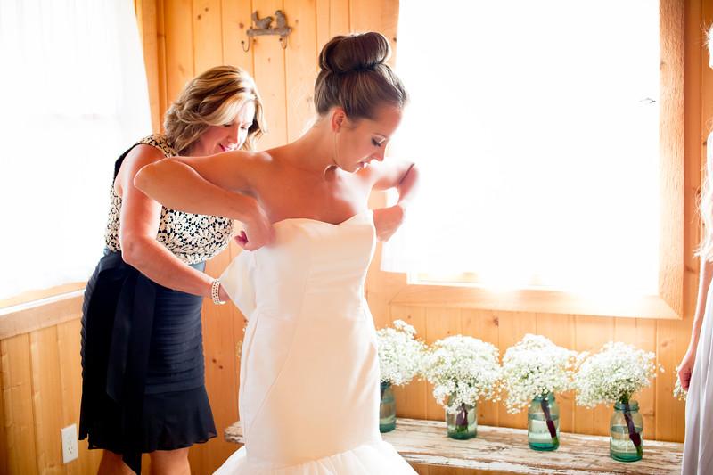 Wildflower Bridal, Photographs by Jennifer Callahan Photography