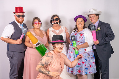 Louise and Aled Photo Booth-12