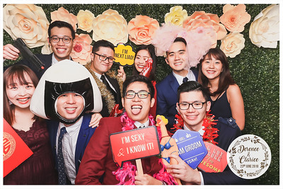 Wedding of Derence & Clarice | © www.SRSLYPhotobooth.sg