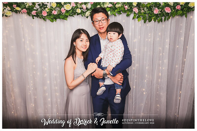 Wedding of Derrick & Janelle | © SRSLYPhotobooth.sg