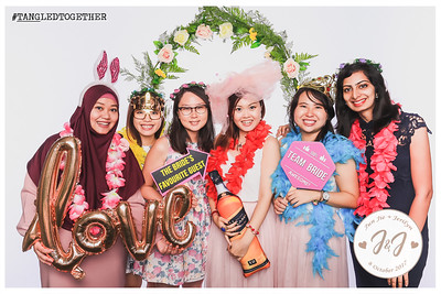 #TANGLEDTOGETHER | © www.SRSLYPhotobooth.sg