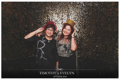 Wedding of Timothy & Evelyn | © www.SRSLYPhotobooth.sg