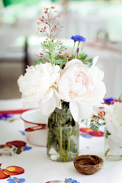 peony-table-centerpiece-rockford-plantation-lancaster-pa-wedding-kate-timbers-photography-3953