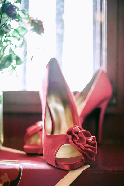 red-bride-shoes-rockford-plantation-lancaster-pa-wedding-kate-timbers-photography-3954