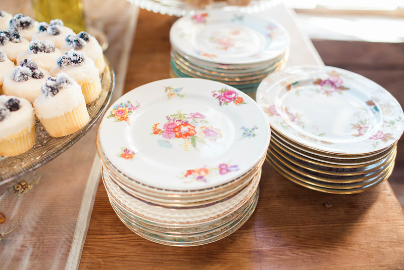 antique-plates-reception-boone-hall-plantation-charleston-sc-lowcountry-wedding-kate-timbers-photography-8434