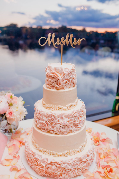 twilight-cake-floral-lambertville-inn-nj-wedding-kate-timbers-photography-9561
