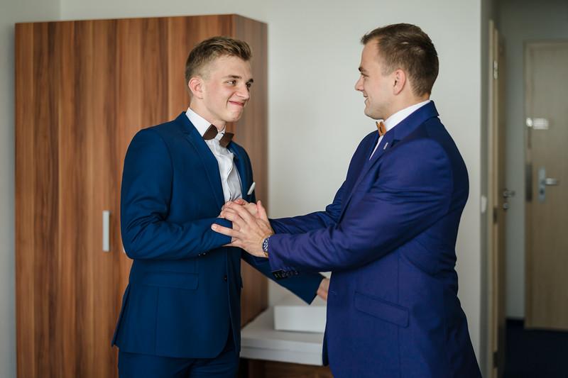 brácha na svatbě