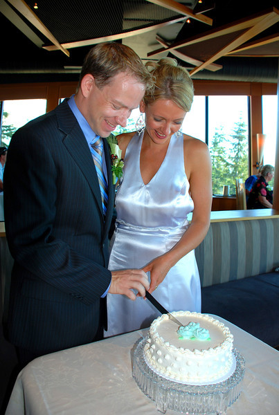 There we are cutting our Wedding cake... yummm!! :-)