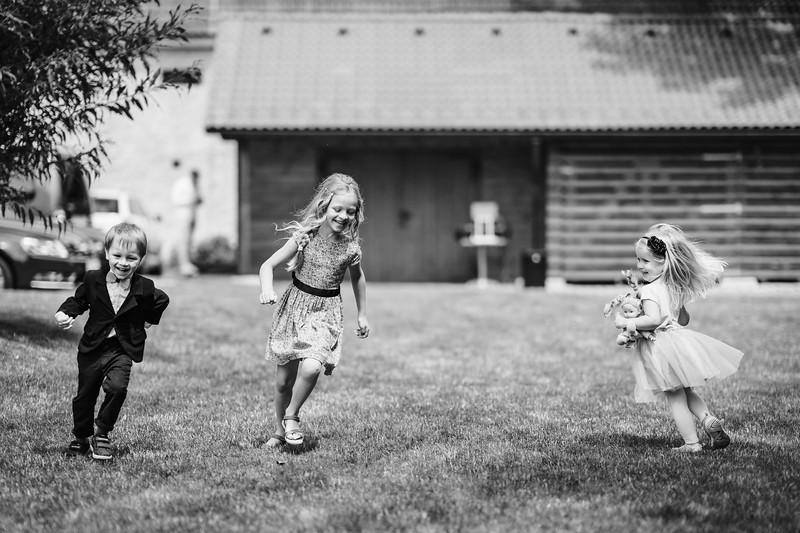 děti na svatbě v Hradci Králové