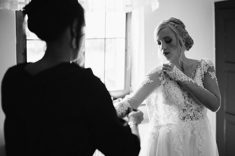 oblékání nevěsty, Hořičky