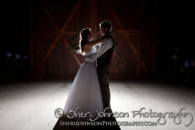 BRIDE AND GROOM PORTRAIT AT THE REID BARN CUMMING GA