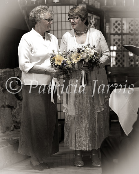H & T stand flowers-colorized--79C7061