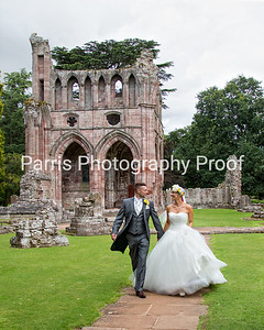 337_Mel_Danny_Dryburgh Abbey_Parris_Photography
