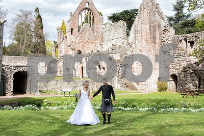 208_Helen_Mick_Dryburgh_Abbey_Parris_Photography